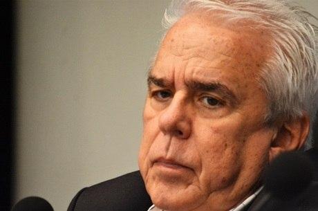 urandir   BRASIL   Óleo que vazou não é brasileiro, afirma presidente da Petrobras