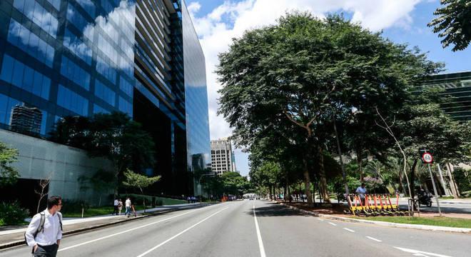 Em todo o país, é possível ver ruas vaziais após o isolamento social