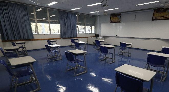 Sindicatos docentes de SP tentam impedir retorno de aulas na Justiça
