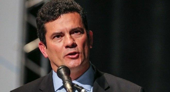 Sérgio Moro autoriza envio das Forças Armadas para o Ceará após ataques