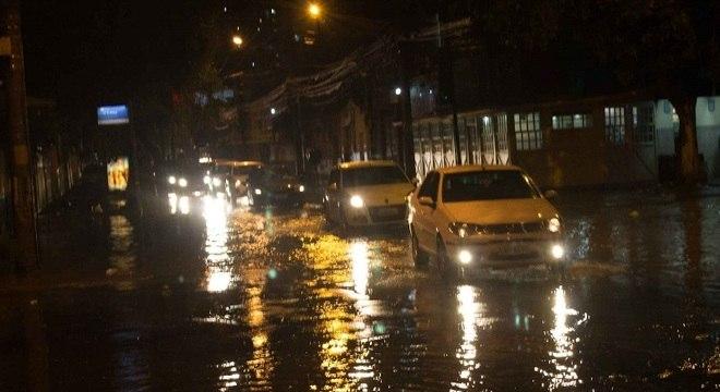 Chuvas começaram na noite de segunda-feira (8)