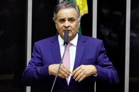 """Aécio fez 1.337 voos de caráter """"pessoal"""", diz MP"""