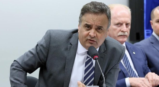 Recentemente, o PSDB optou por arquivar pedidos de expulsão de Aécio Neves do partido