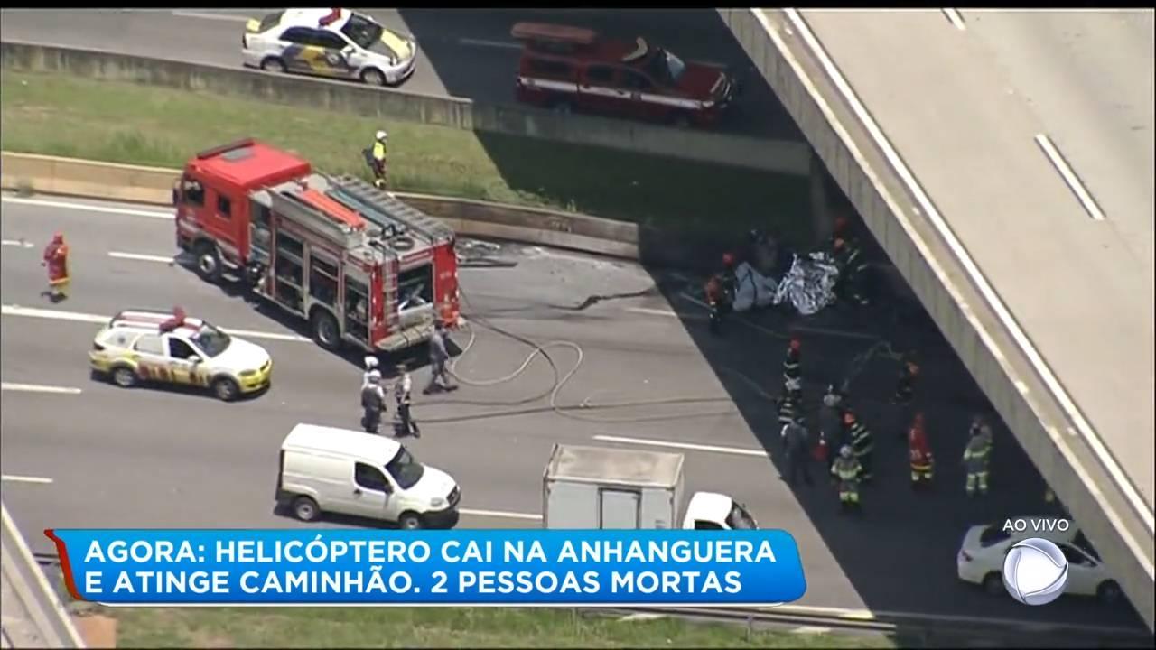 O helicóptero Águia-13, da Polícia Militar, foi acionado, além de onze carros. A corporação apura, ainda, se há mais vítimas no acidente.<br><br><br><br><br><br><br>