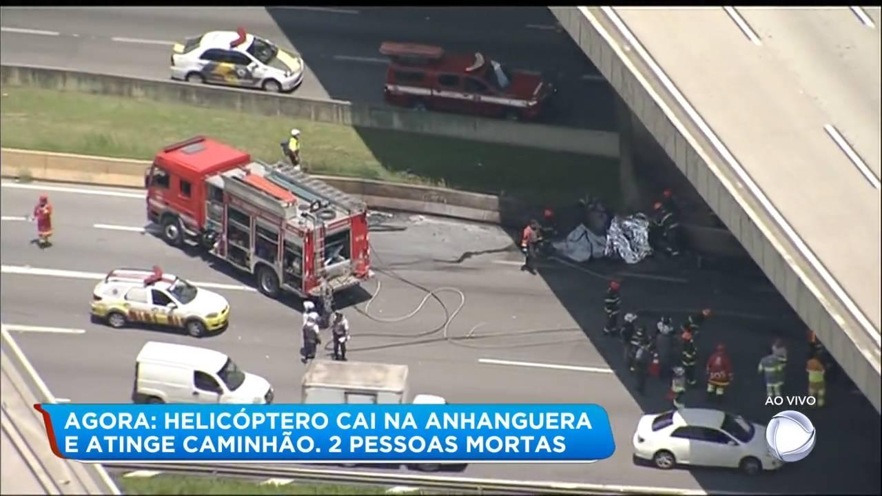 """A queda de uma aeronave nesta segunda-feira (11) no km 7 da rodovia Anhanguera, sentido Castelo Branco,<a href=""""https://noticias.r7.com/sao-paulo"""" target=""""_blank""""><b>em São Paulo,</b></a>deixou duas vítimas carbonizadas.<br>"""