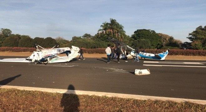 Duas aeronaves se chocaram em curso para formação de pilotos em Itápolis, SP