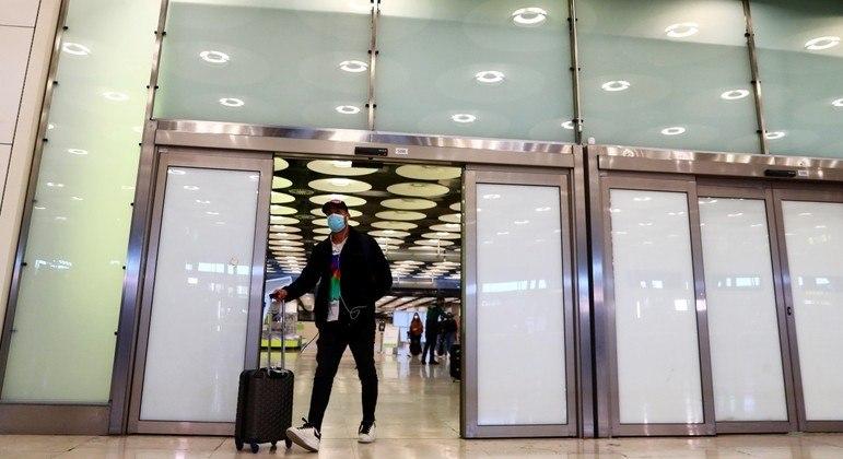 Holanda proíbe voos vindos da América Latina, Reino Unido e África do Sul