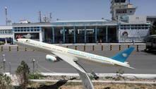 Avião com civis decola de Cabul pela 1ª vez depois da saída dos EUA