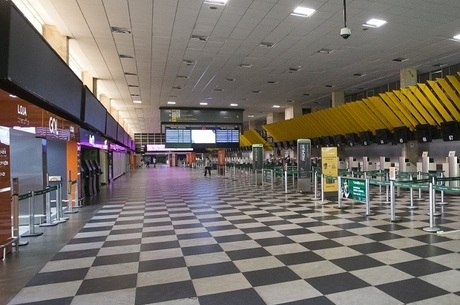 Área de check-in do aeroporto de Congonhas (SP)