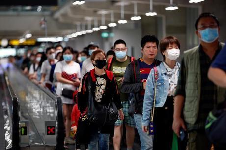 Aeroportos ao redor do mundo aumentaram controle