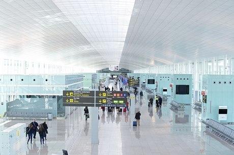Aeroporto de Barcelona é afetado pela greve