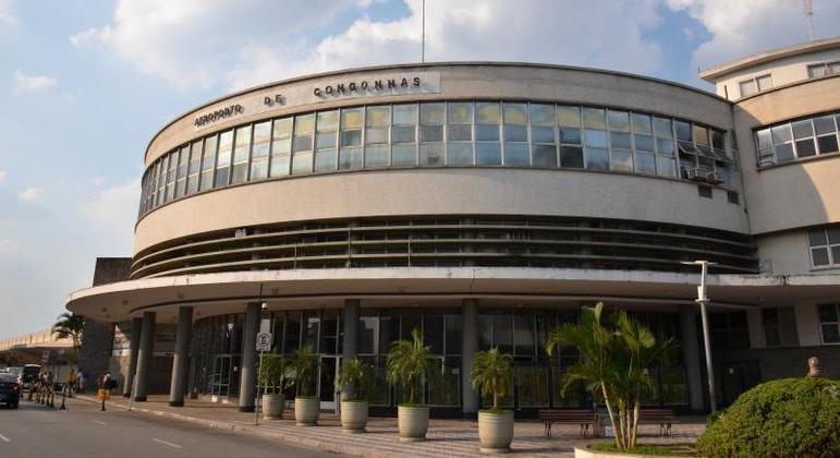 Funcionário de lanchonete foi mantido refém no aeroporto de Congonhas, na zona sul de SP