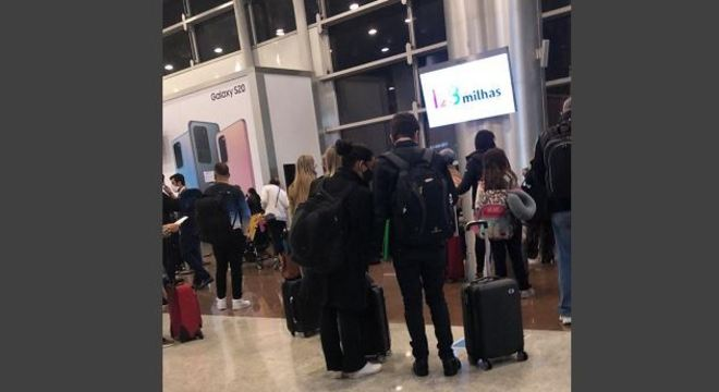 Aglomeração de passageiros costuma ocorrer na hora do embarque no avião