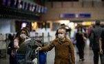 Na quarta-feira (27), Portugal também anunciou a suspensão de voos vindos do Brasil até o dia 14 de fevereiro. O país enfrenta aumento no número de casos de covid-19 e já teve sobrecarga no oxigênio dos hospitais