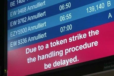 Painel mostra cancelamento de voos na Alemanha