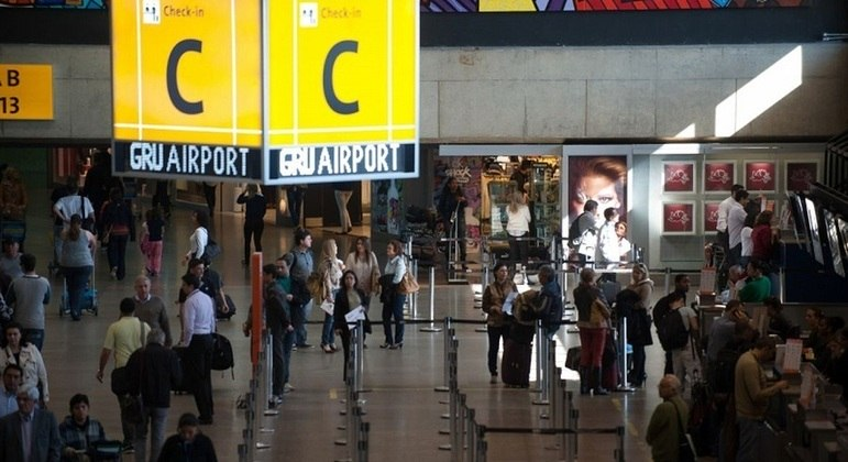 Aeroporto de Guarulhos, principal entrada de estrangeiros por via aérea no país