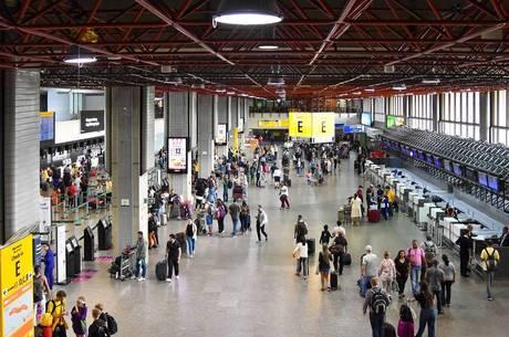 Anvisa monitora situação nos aeroportos