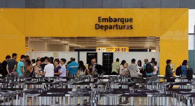 Declarações de saída definitiva do Brasil quase triplicaram nesta década