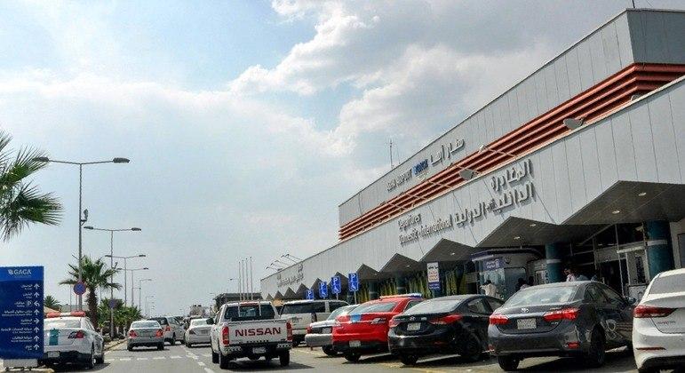Faixada do aeroporto Internacional de Abha, no sul da Arábia Saudita