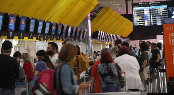 Aeroporto de São Paulo cheio no último sábado, dia 2 de outubro