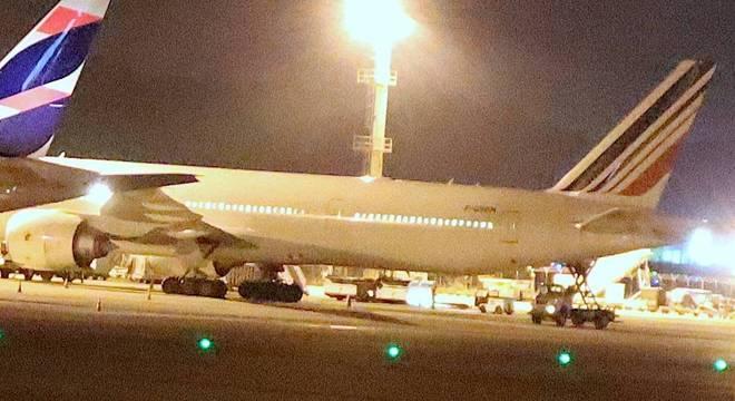 Aeronave é um Boeing 777-328 de prefixo  F-GSQM e fazia o voo AF457