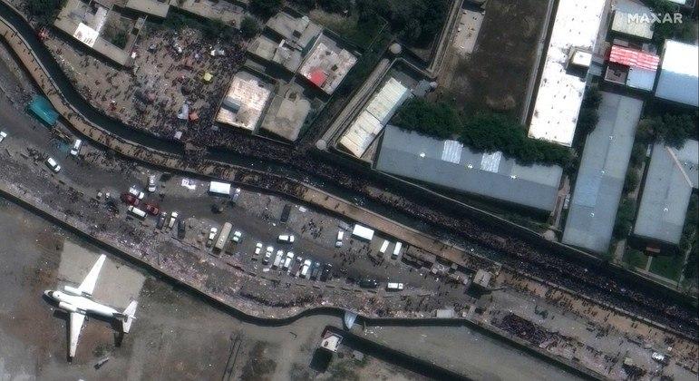 Foto de satélite tirada no início da semana mostra o local onde ocorreu o atentado em Cabul