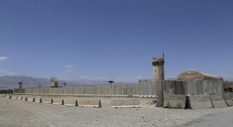 Tropas dos EUA e da OTAN já se retiraram da base aérea de Bagram