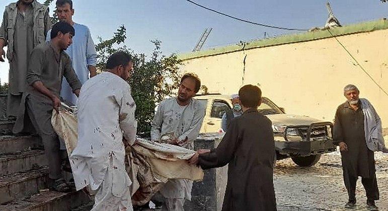 Estado Islâmico assume a autoria de ataque que matou mais de 50 pessoas em uma mesquita