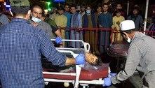 Ataques suicidas no aeroporto de Cabul deixam ao menos 60 mortos