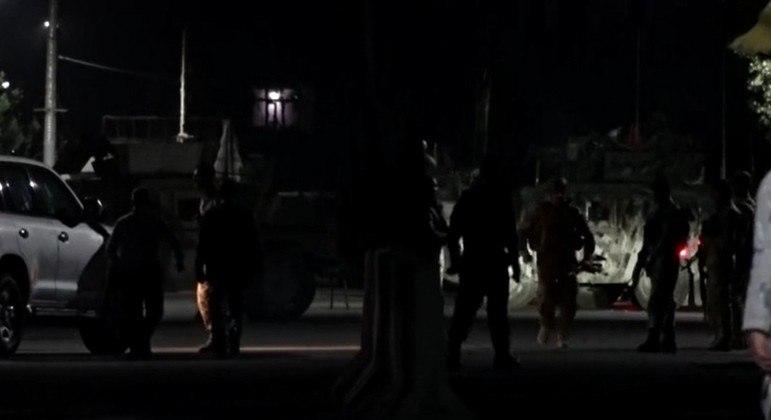 Tiroteios foram registrados na capital do Afeganistão e em outras cidades
