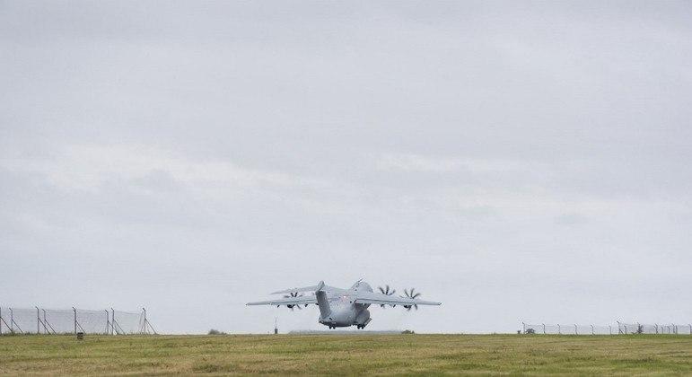 Aviões militares foram usados para resgatar cidadãos norte-americanos de Cabul