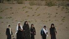 Talibã afirma que meninas voltarão às escolas assim que possível