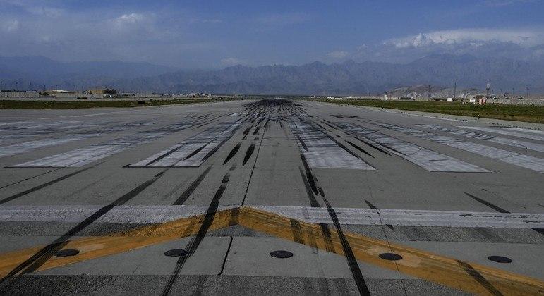 Mesmo após abandonar a base aérea de Bagram, EUA ainda atuaram no Afeganistão