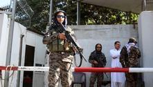 Talibãs dão prazo de uma semana ao governo para entrega de armas