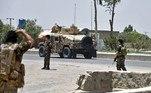 Os EUA já concluíram a retirada de 90% de seu pessoal militar do Afeganistão, país que foi invadido há quase 20 anos em meio à chamada guerra ao terror. As tropas da OTAN também estão deixando o local, aumentando o temor de que uma guerra civil entre o governo afegão e o Talibã possa acontecer em breve. O grupo afirmou, na sexta, que já controla 85% do território afegão