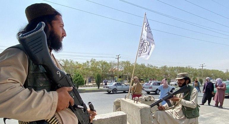 Talebã não enfrentou grande resistência para ocupara a capital afegã, Cabul