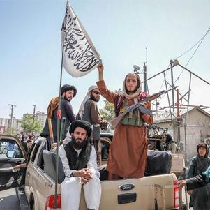Talibãs invadiram a capital afegã, Cabul, no domingo