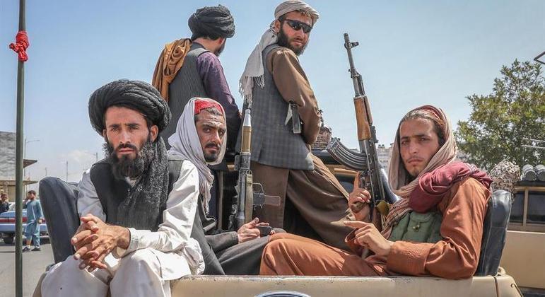 Milicianos são conhecidos por aplicar penas severas àquele que infringem a lei islâmica