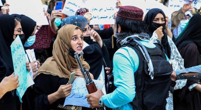 Mulheres não poderão ter acesso à Universidade de Cabul, afirma reitor