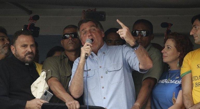Jair Bolsonaro em carro de som durante ato de 7 de setembro na Avenida Paulista