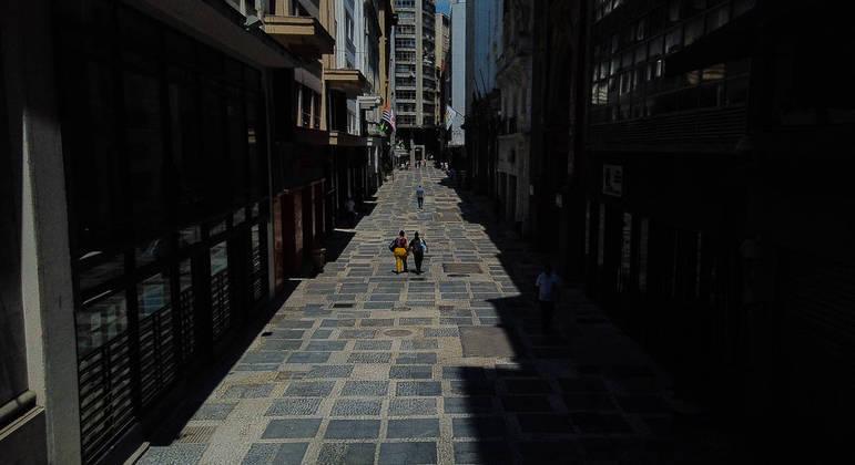 Pedestres no centro de São Paulo