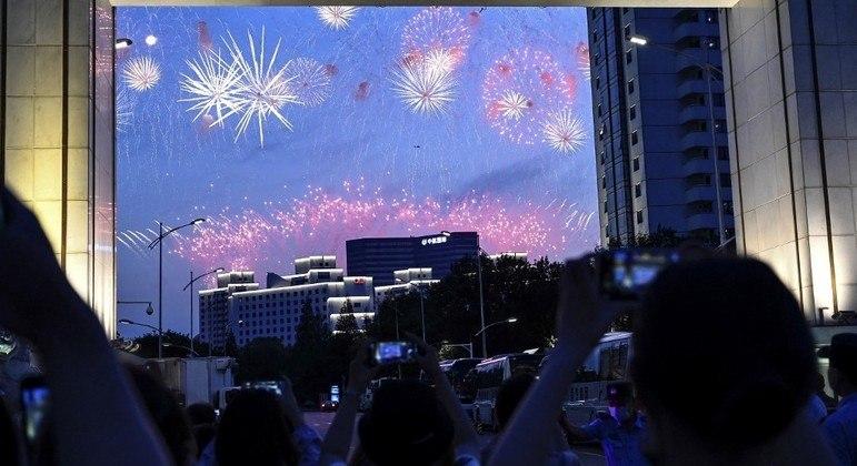 Governador de SP sanciona lei que proíbe queima e venda de fogos de artifício com estampido