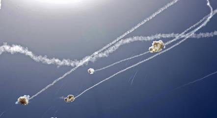 Centenas de mísseis do Hamas foram lançados