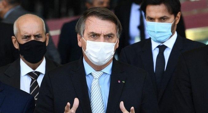 Bolsonaro na manhã desta quarta (24) após reunião com representantes dos três poderes