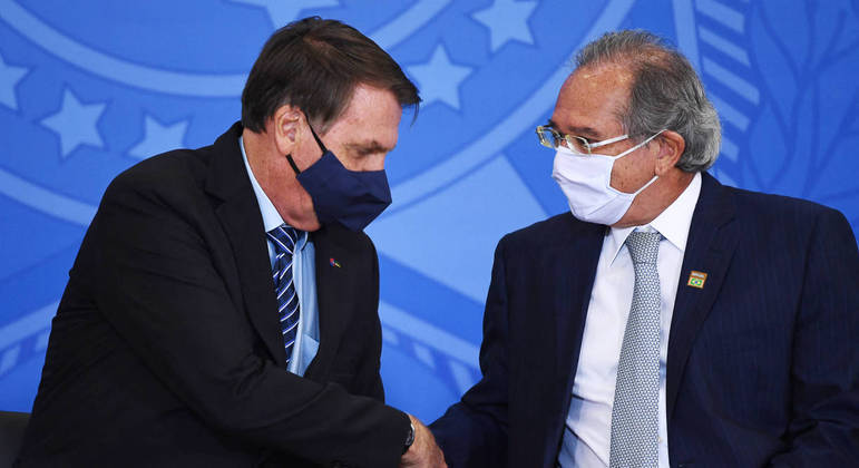 Bolsonaro e Guedes: segundo presidente, o cumprimento do teto de gastos é responsabilidade dele e do ministro da Economia