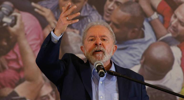 """O ex-presidente Lula voltou a falar sobre o que chama de """"democratização dos meios de comunicação"""""""