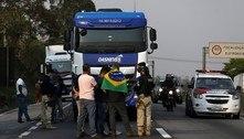Caminhoneiros protestam em 14 estados e bloqueiam 5 rodovias