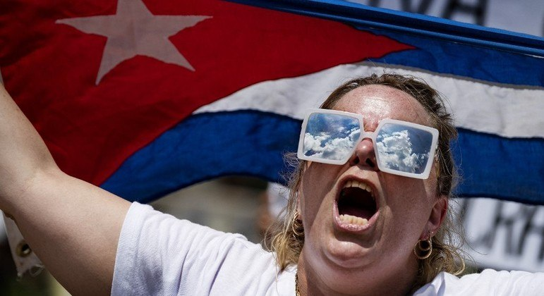 Cubanos pedem ajuda dos EUA