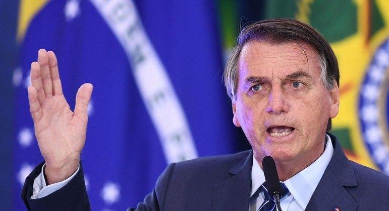Medida provisória editada por Bolsonaro prevê distribuição de mais 50 milhões de doses da vacina da AstraZeneca