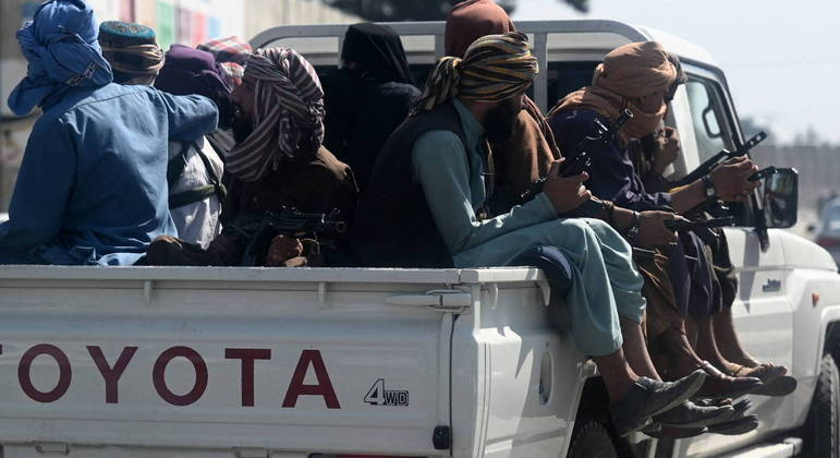 Talibã tomou o poder no Afeganistão há três semanas e ainda não anunciou governo